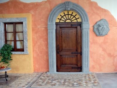 Portali lam artigianato marmi realizzazione di piani e for Mosaici e marmi per pavimenti e rivestimenti